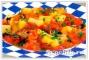 Картофель, тушенный с помидорами и луком